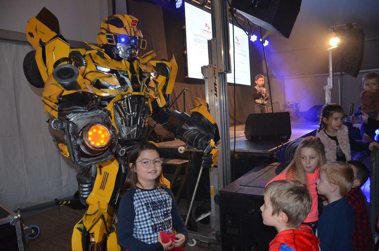 'Bumblebee' uit 'Transformers' tijdens winterfestival 'Straffen Toebak' in Appelterre.