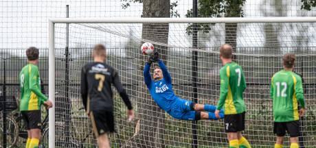 BVC bijt tegen FC Winterswijk wel door, zien ook tien gluurders achter het hek