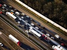 Fikse vertraging op A20 door meerdere ongelukken
