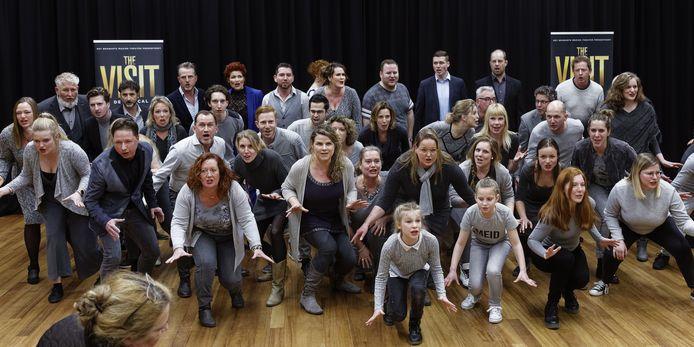 De eerdere presentatie van de cast voor The Visit van het Brabants Muziek Theater uit Schijndel.