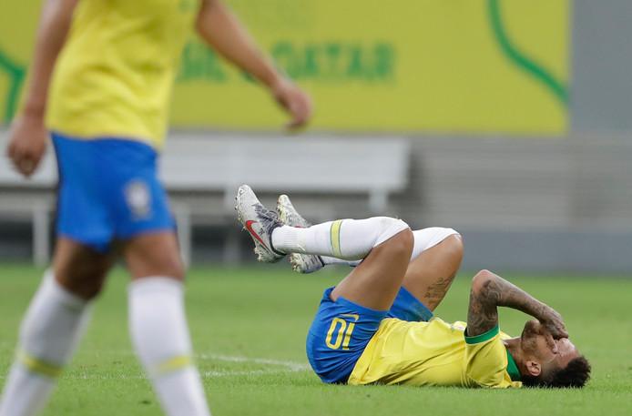 Neymar raakte tegen Qatar geblesseerd.