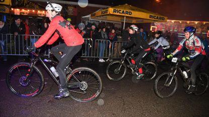 Mountainbikers zorgen voor spektakel aan café De Sortie