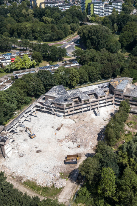 Oud schoolgebouw doelwit van vandalen en pyromanen
