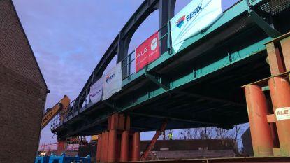 Brug van 300 ton vervangen in Brugge