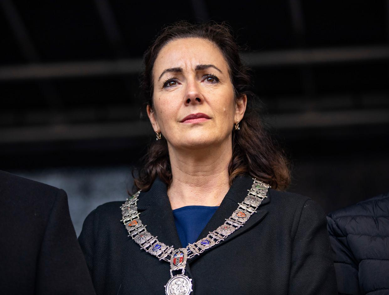 Burgemeester Femke Halsema tijdens de vredesdemonstratie in maart naar aanleiding van de aanslagen op twee moskeeën in Nieuw-Zeeland.