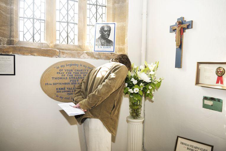 Het 'altaar' in de kerk voor T.S. Eliot. Beeld null