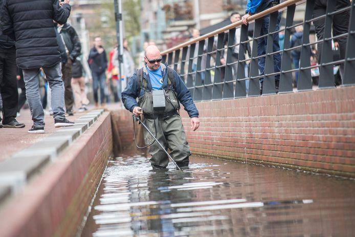 In april werden er ook al goudvissen uit de Jansbeek in Arnhem gehaald.