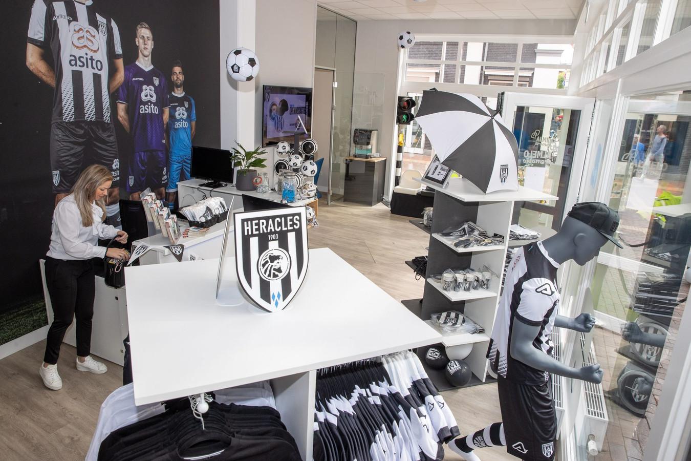 Heracles heeft een tweede fanshop geopend midden in het centrum van Almelo