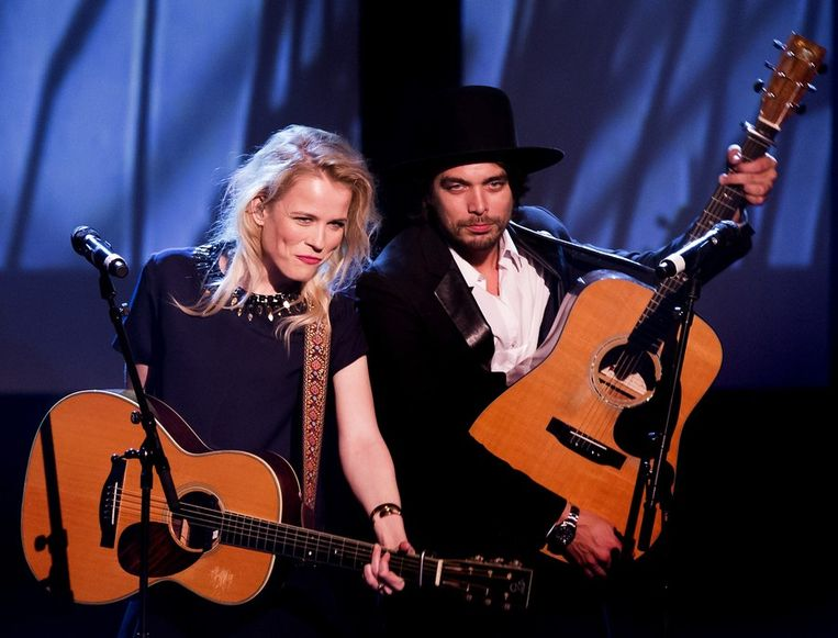 Ilse DeLange en Waylon, samen The Common Linnets.