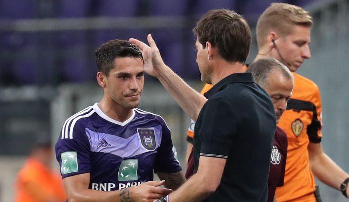 Anderlecht-coach René Weiler gunde uitblinker Stanciu een applauswissel.