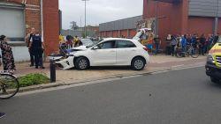 Bekende crimineel achter stuur van auto die mama en kindjes aanreed in Sint-Niklaas: bestuurder (21) zonder geldig rijbewijs aangehouden