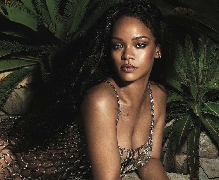 Rihanna poseert voor Vogue.