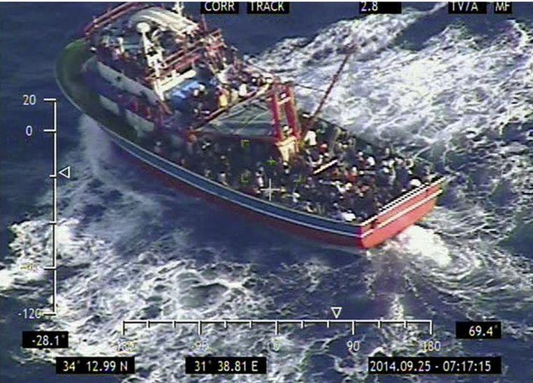 353 Syriërs vluchten met een klein schip.