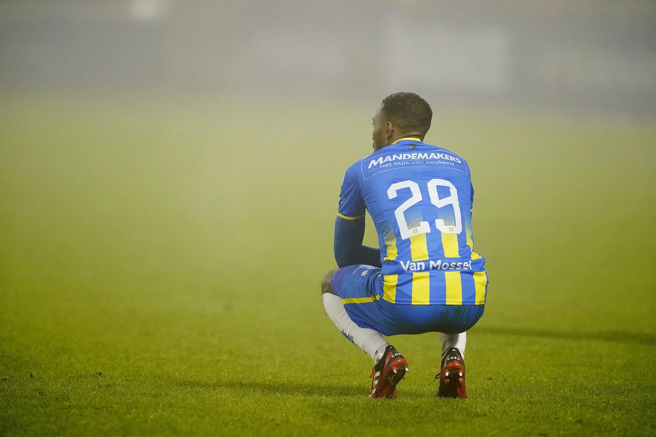 Fabian Sporkslede baalt van de nederlaag van RKC tegen concurrent VVV-Venlo.