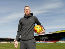Oud-goalgetter TOP Oss Kevin van Veen degradeert met Scunthorpe United naar League Two