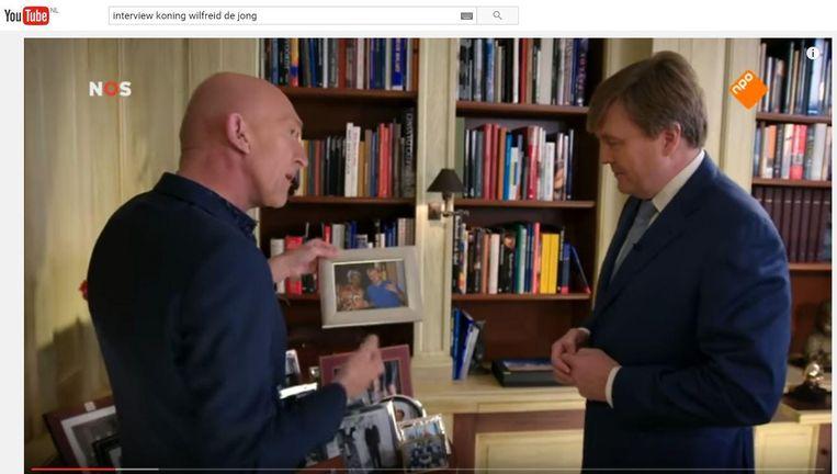 Het interview met koning Willem-Alexander haalde 4 miljoen kijkers op tv. Het aantal kijkers op YouTube is nog niet bekend. Beeld