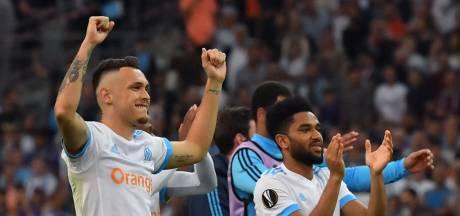 Marseille wint makkelijk en staat met één been in de finale