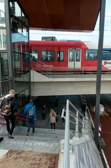 Weer treinen tussen Elst en Tiel na schampen auto bij Kesteren