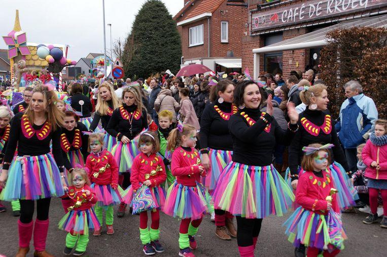 Den Eel wint met het thema 'Lekkerland' het kindercarnaval.