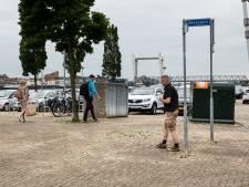Parkeerprobleem dwarsboomt mooie inrichting Veerplein en Maasplein