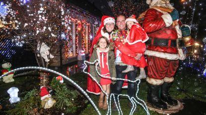 85.000 lichtjes aan Oostakkers Kerstsfeerhuisje, eerste kerstboom al half augustus versierd