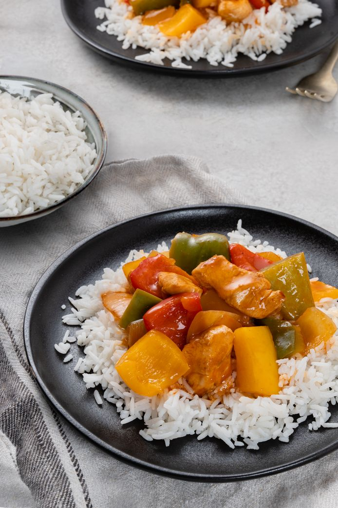 Zelfgemaakte chicken tonight met rijst