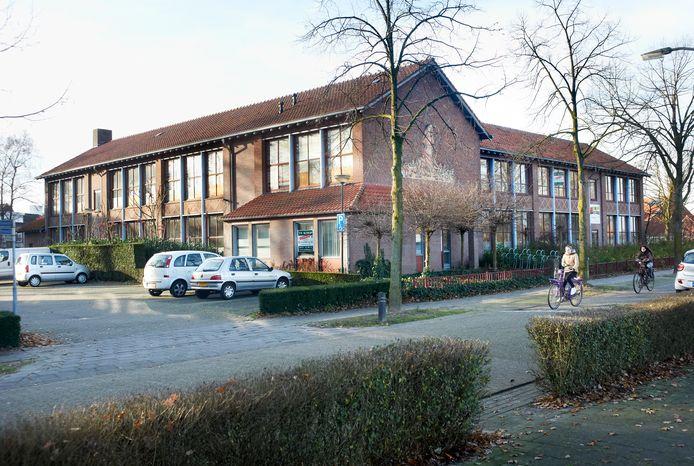 De leegstaande Don Boscoschool aan de Beatrixsingel in Veghel.