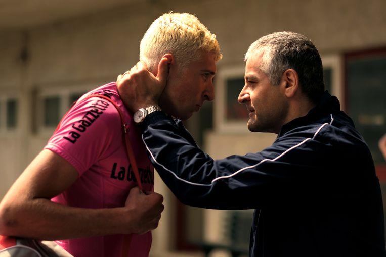 Felix in de roze trui van de Baby Giro, Italië vormt het decor in deze film.