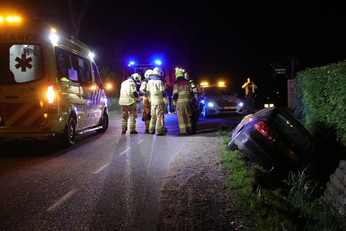 Er werd een auto in de sloot aangetroffen in Ederveen.