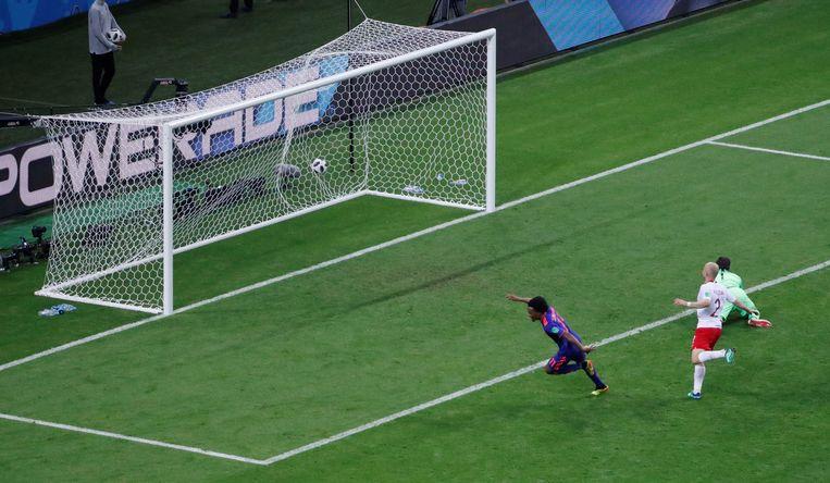 Cuadrado legt de 3-0 binnen.