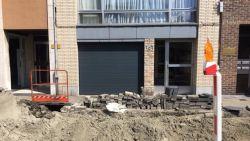 """Straat zonder verwittiging opgebroken: """"We kunnen onze garage niet meer uit"""""""