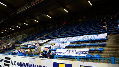 Supportersclubs KAA Gent houden woord: bezoekersvak blijft 10 minuten leeg, alleen nijdige spandoeken