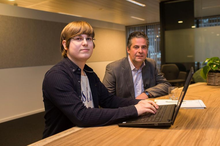 Werknemer Dries Van Dijck en en directeur Nico De Cleen.