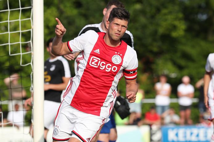 Klaas-Jan Huntelaar na een doelpunt