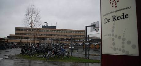 'Openbaar onderwijs verdwijnt niet uit Terneuzen door fusie De Rede en Zeldenrust-Steelantcollege'
