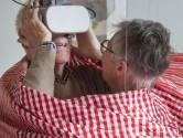 Senioren kijken in Enschede naar zichzelf door een nieuwerwetse bril