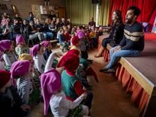 Freek Bartels op de planken bij Dongense basisschool