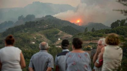 1.100 brandweermannen bestrijden bosbranden Gran Canaria, al 8.000 evacuaties