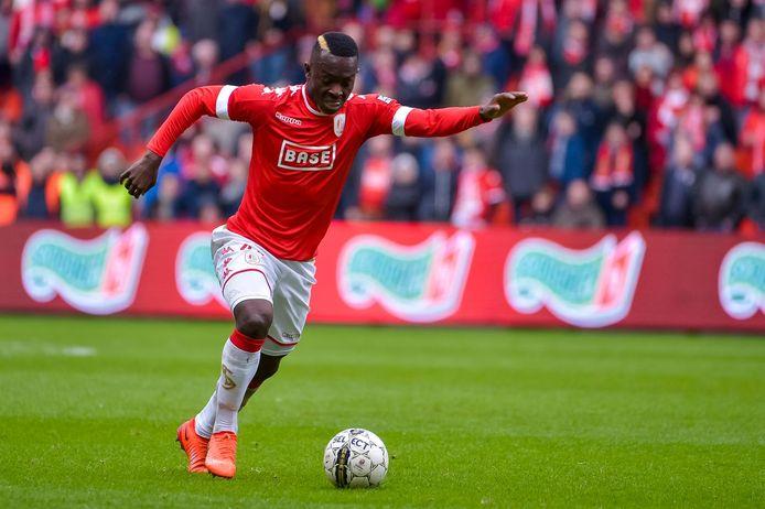 Ibrahima Cissé in het shirt van Standard.