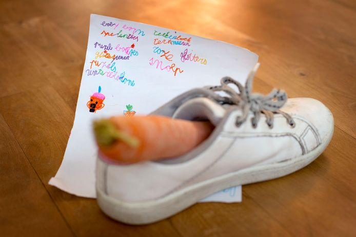Winterpeen en verlanglijstje in de schoen voor Sinterklaas.