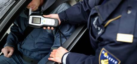 Waalwijker (48) raakt rijbewijs kwijt na rijden onder invloed
