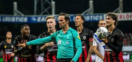 Nijhuis fluit PEC Zwolle in De Koel
