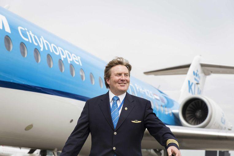 Koning Willem-Alexander in het nieuwe uniform. Beeld anp