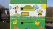 Bijvriendelijke gemeente Grobbendonk geeft bijenvolk een nieuw en kleurrijk onderkomen