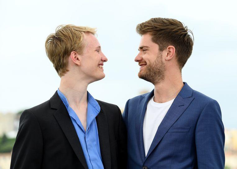 Acteur Victor Polster (l) en regisseur Lukas Dhont op 13 mei in Cannes.  Beeld WireImage