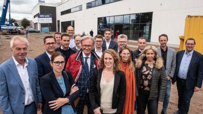 Industriereus Willy Naessens brengt 15 bedrijven bijeen