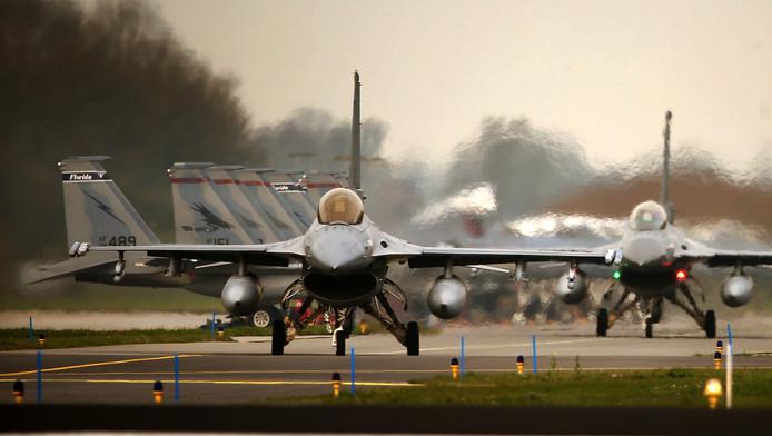 Nederlandse F-16's.