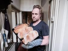 Arjen maakt 'Helen-bread' volgens Noors recept