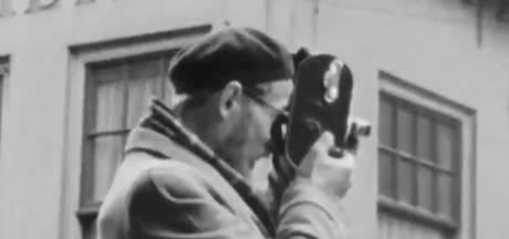 Wie is deze 'man met vlassige baard en alpinopet' die aan zijlijn van eerste vrije dagen na de oorlog staat?