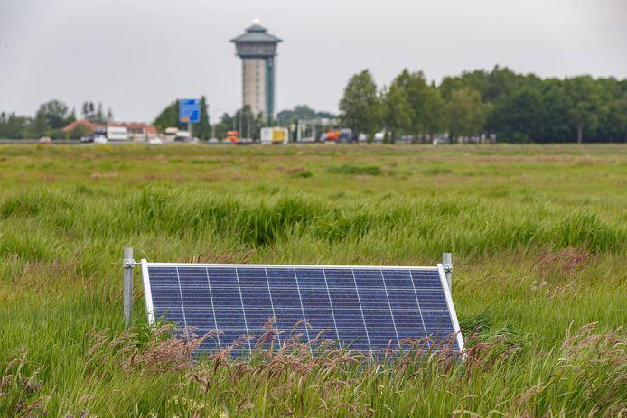 Op een stuk grond nabij de Lichtmis en de A28 wil Van der Valk het grootste zonnepark van Zwolle neerzetten.